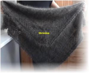 Тёмный оренбургский пуховый платок