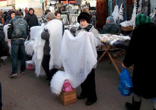 Оренбургские пуховые паутинки на рынке