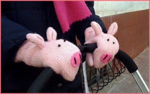 Варежки в форме свинок