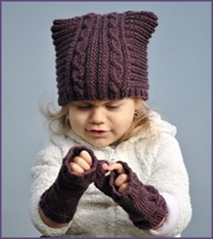 Малышка в шапке