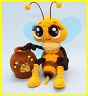 Вязаная пчёлка