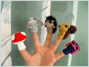 Фото вязаных пальчиковых игрушек