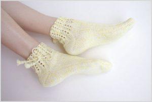 Светлые носки
