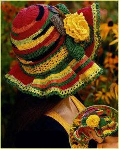 Очень нарядная и яркая шляпка