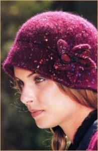 Тёплая бордовая шляпка
