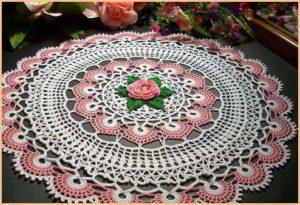 Шикарная салфетка с розой