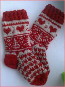 Красивые детские носки к Рождеству