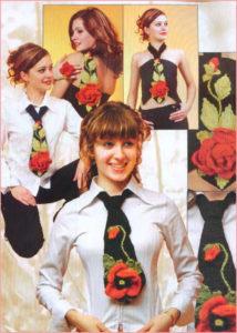 Вязаные галстуки с цветами на девушках