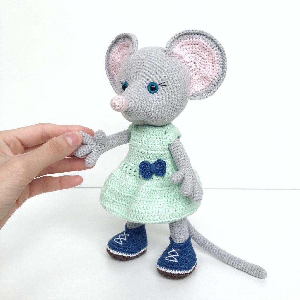 Вязаная мышка амигуруми 10