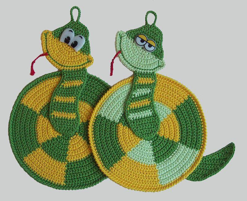 Игрушки прихватки змейки