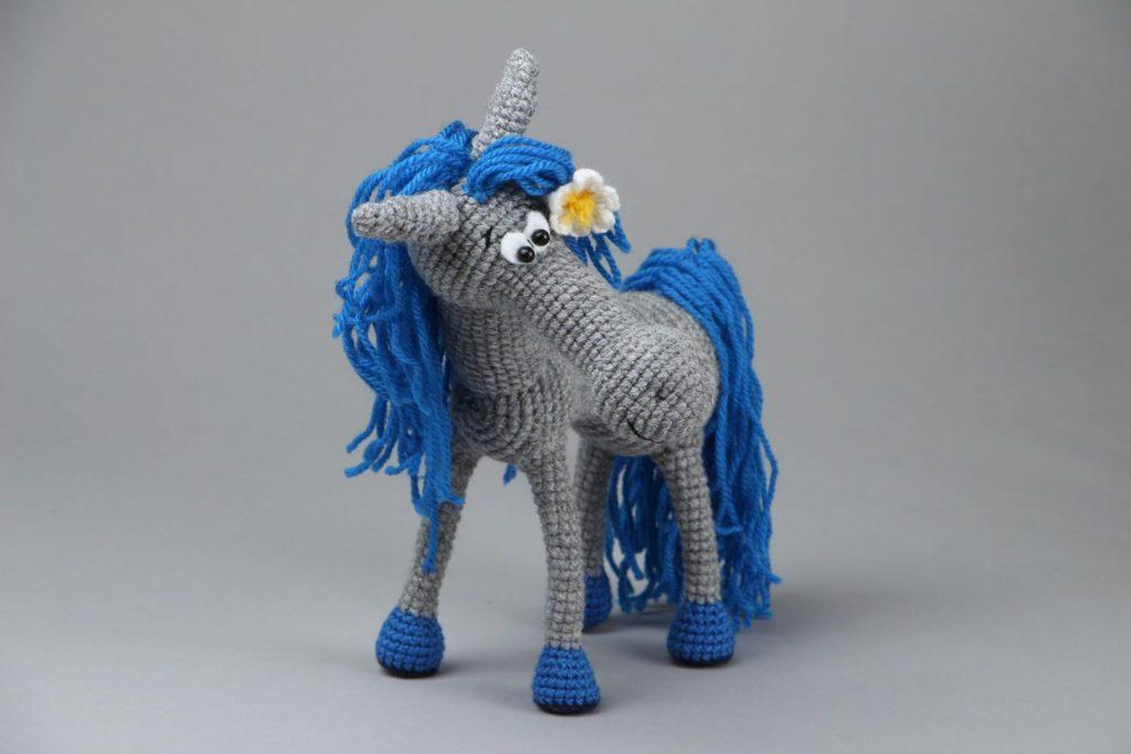 Серая лошадь амигуруми