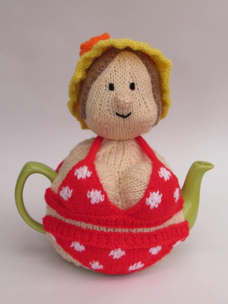 Грелка на чайник кукла 9